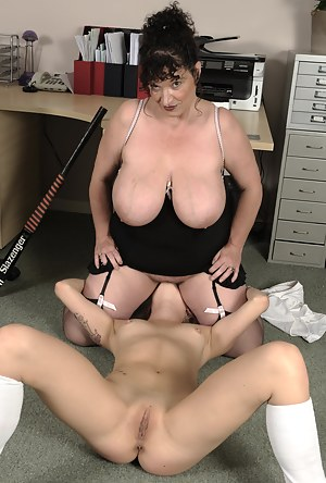Big Boobs Lesbian Pussy Licking Porn Pictures